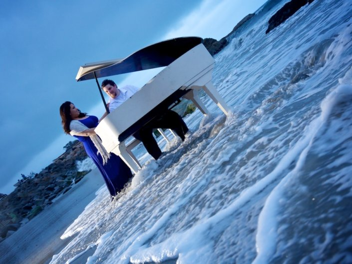 """Jay & Kathy's """"Piano at the Beach"""" engagement session"""