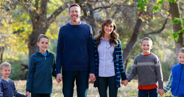 Beautiful Family Session {Fall in Oak Glen, California}